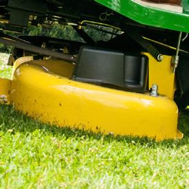 Agregat tnący traktorka John Deere